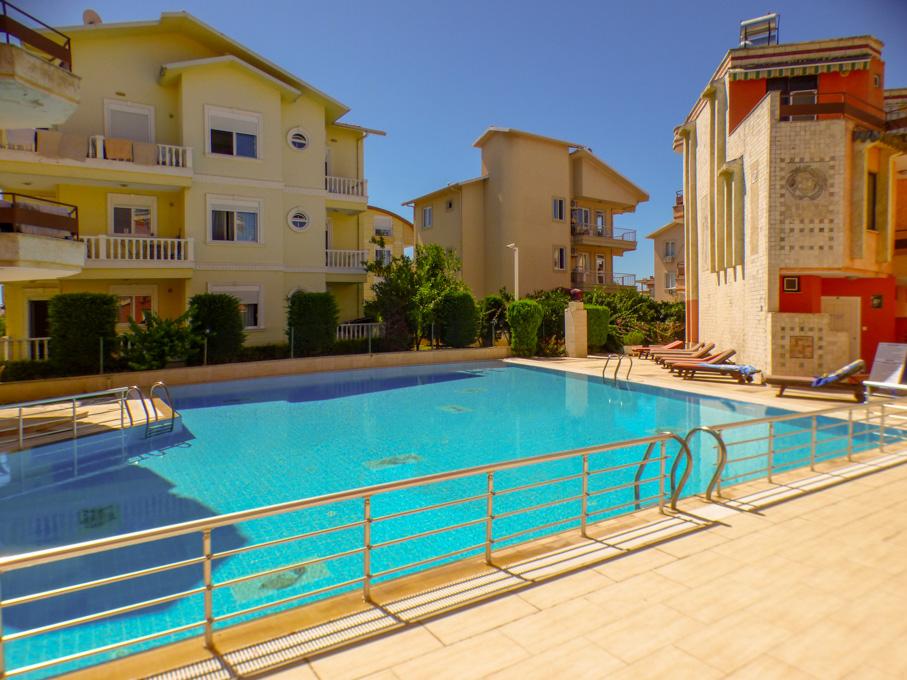 Villa med 3 sovrum vid poolen