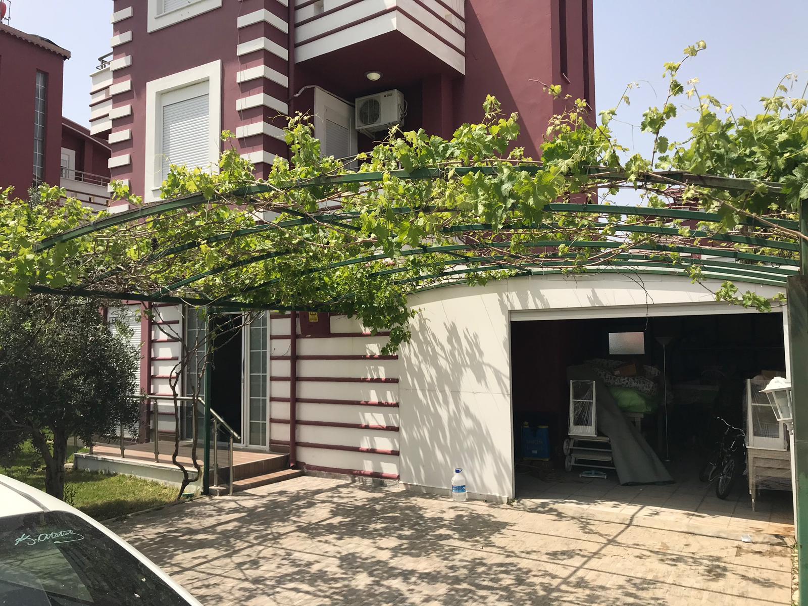 Villa à 4 Pièce avec la Piscine privée