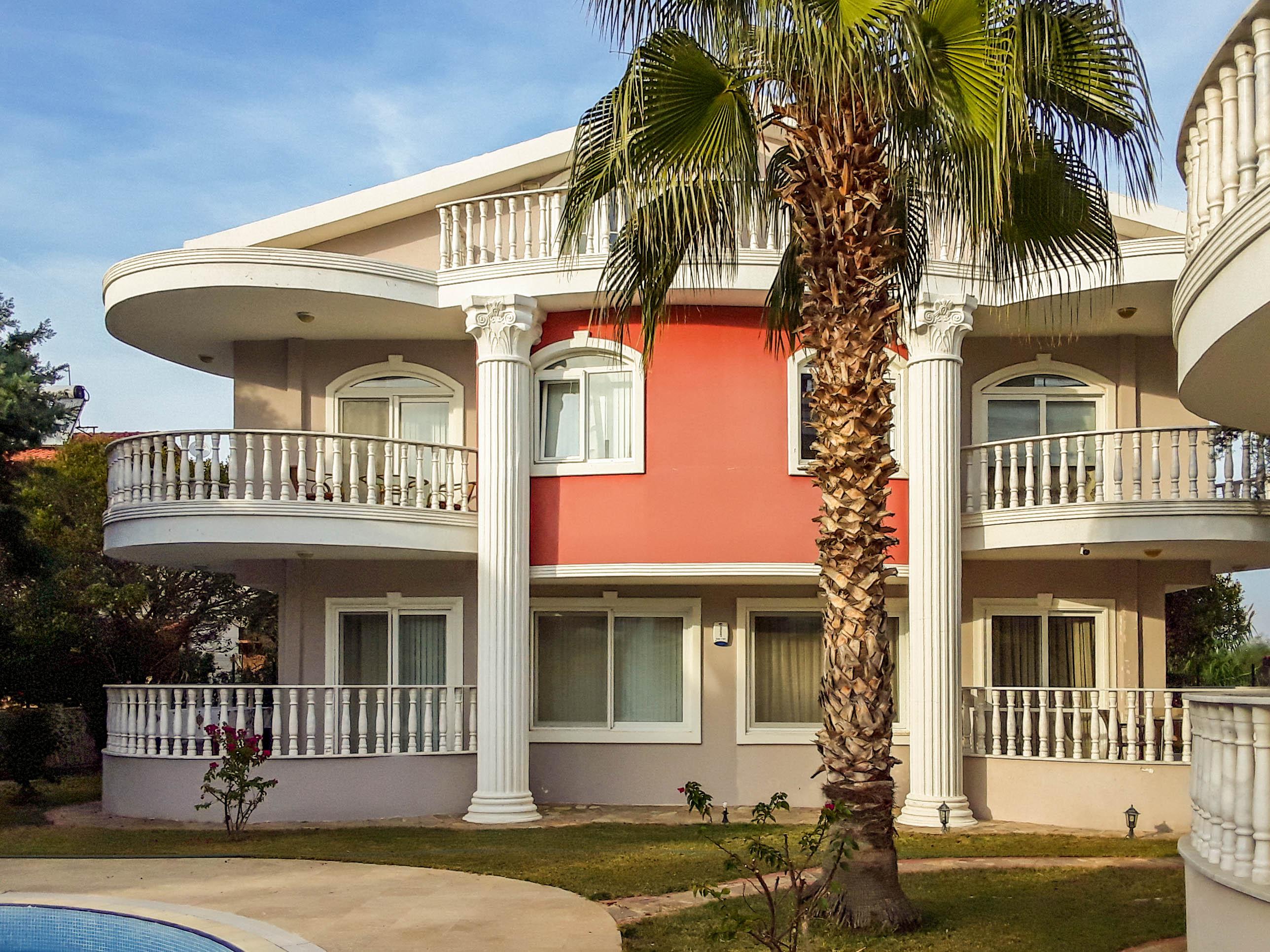 Bargain deal! 3-Bedroom Villa