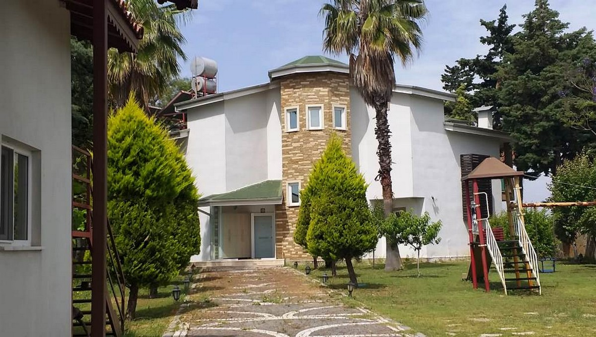 6-Bed Detached Villa